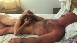 Порно Ролики Старик И Девушка